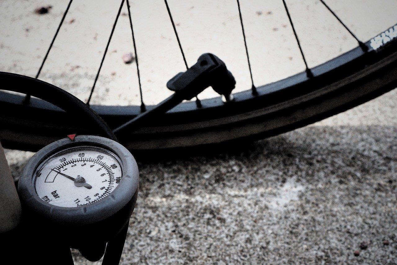 Beste fietspompen voor mountainbikers voor thuis en onderweg